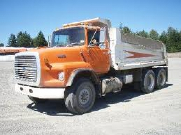 L 9000 FORD DUMP TRUCK TANDON 15FT BOX