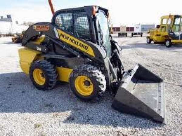 225 NEW HOLLAND 2011 - FOOT CONTROL