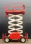 "68"" X 33FT SCISSOR LIFT WITH AUTO LEVERS"