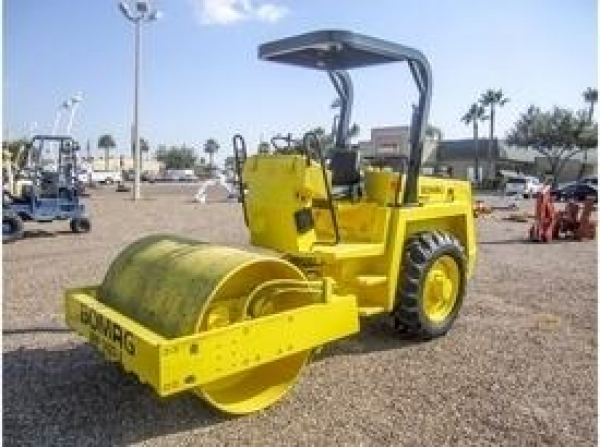 "54"" VIBRATING ROLLER DIESEL SMOOTH"